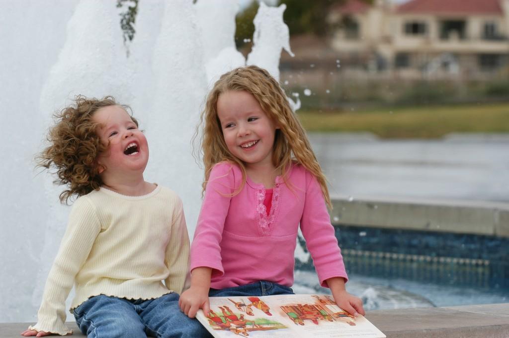 Lachende Menschen sind ein Highlight im Fotobuch