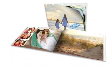 Fotobuch mit Bildern zu Erlebnissen von Mutter und Tochter